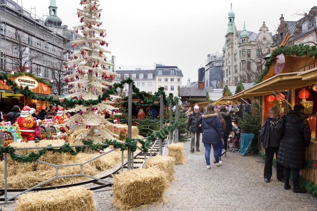 Kom i julestemning på Højbro Plads