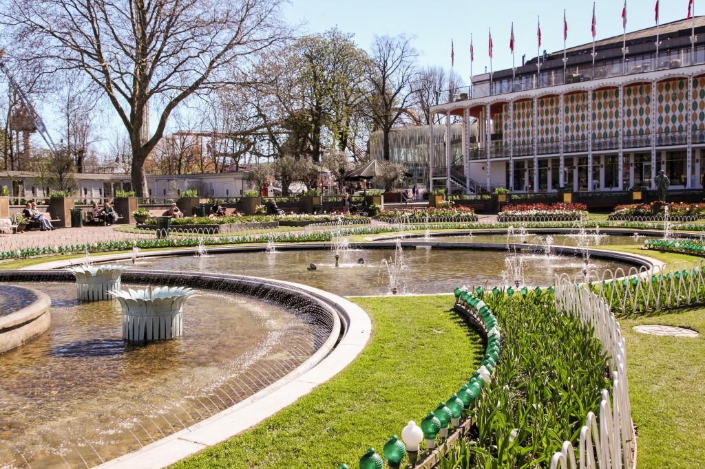 Tivoli er en vakker park for de som også bare vil sitte på en benk og slappe av.