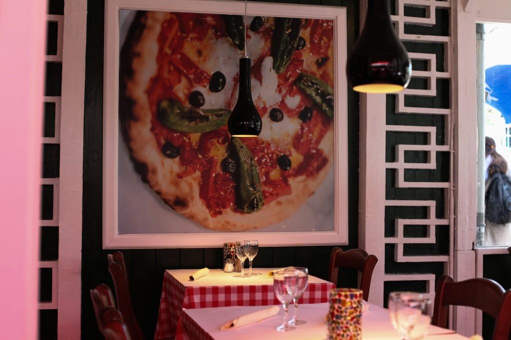"""Tivoli har 45 ulike spisesteder. Vi synes det var veldig praktisk med pasta og pizza på italienske """"La Vecchia Signora""""."""