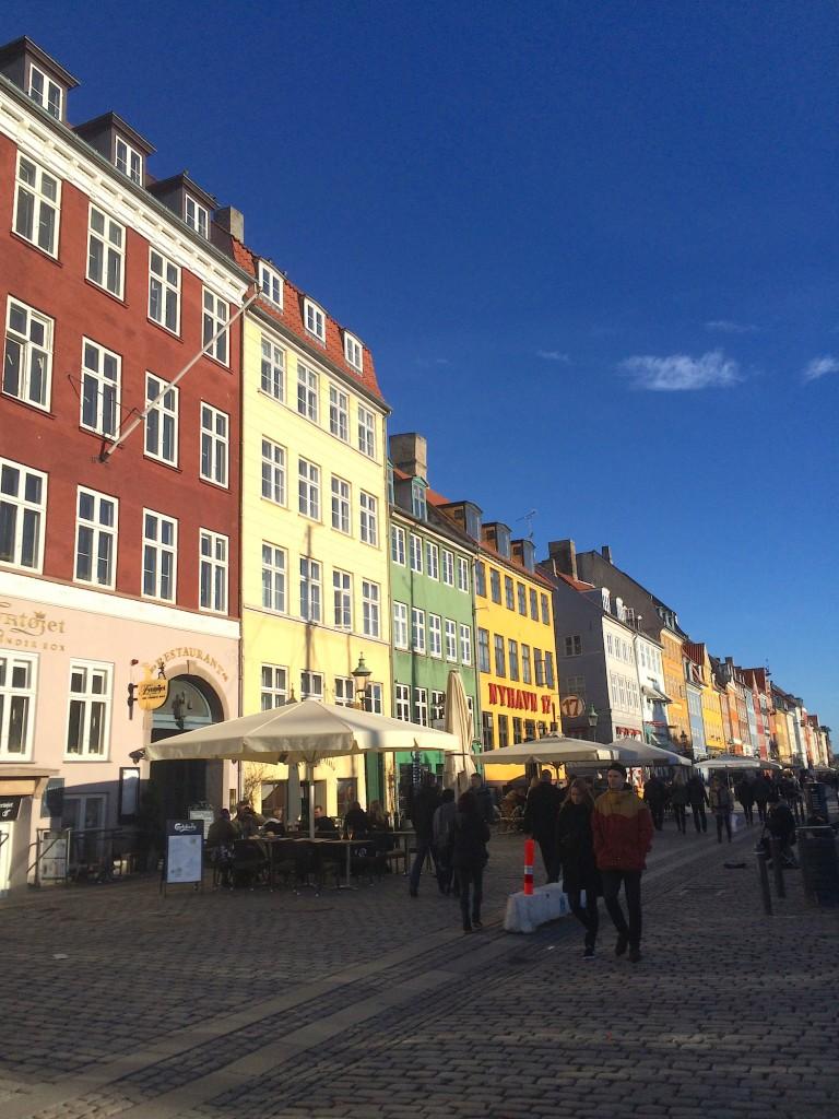Mens de andre slektningene shoppet i København, og nøt vårsolen i Nyhavn.
