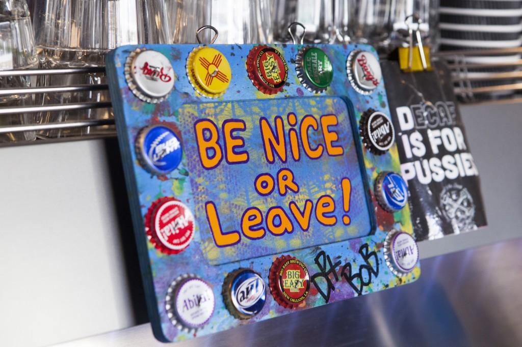 Få men enkle regler på Next Door Café!