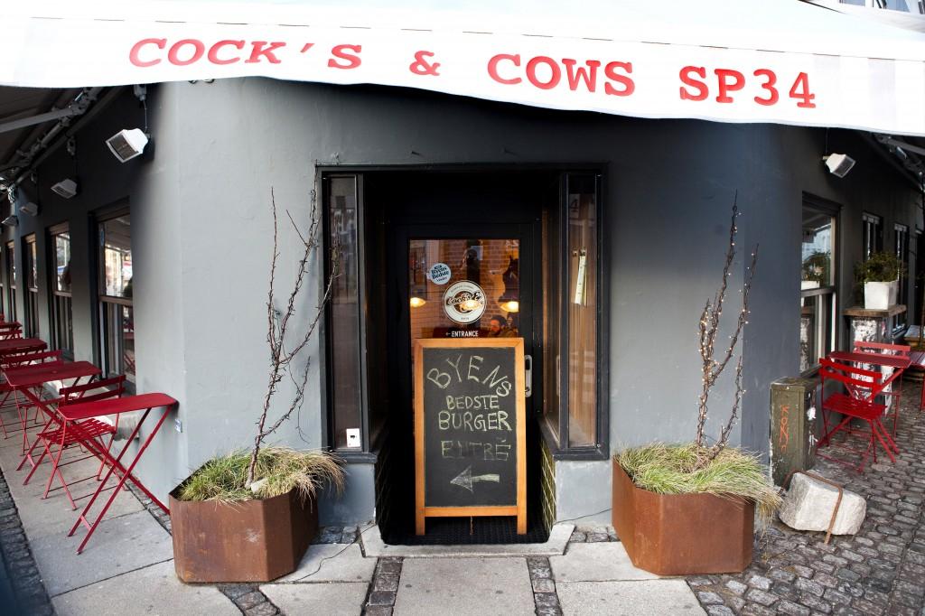 I tilknutning til hotellet finner du restauranten Cokc´s 6 cows - og her får du Københavns beste burger.