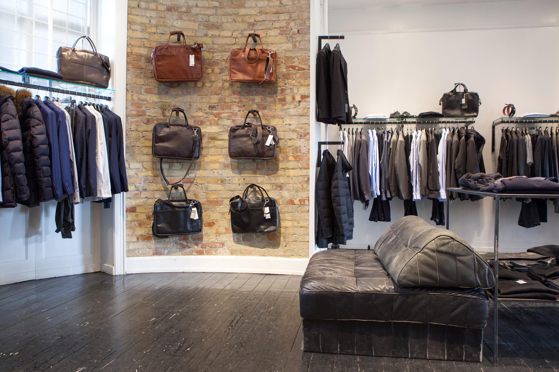 Zornig har tre butikker i Gamle Kongevej - en for kvinner, en for menn og en for sko
