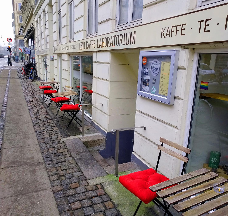Kent Kaffe Laboratorium gjør ikke så mye ut av seg, men er vel verdt et besøk!