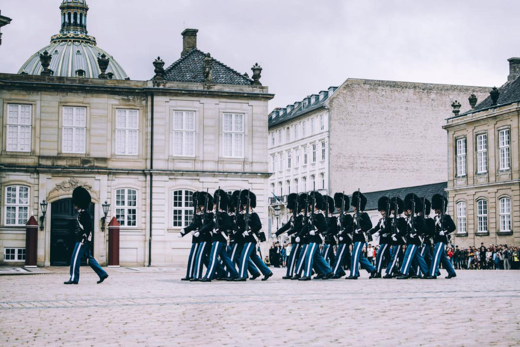 Vaktskifte på Amalienborg Slot Foto:
